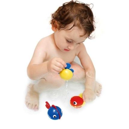 Faire aimer le bain à bébé